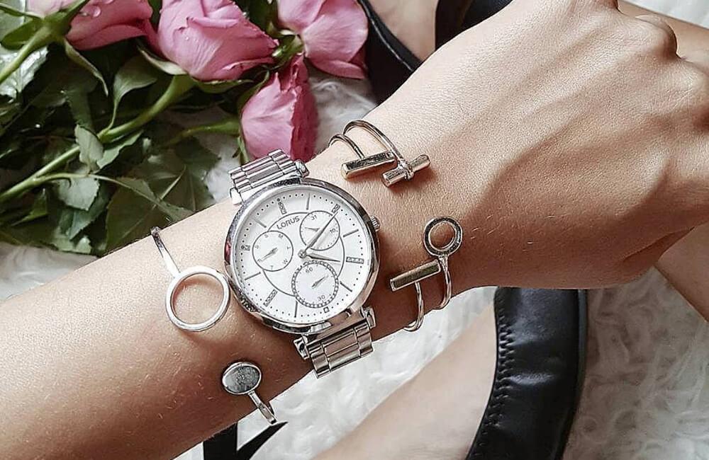 Na co zwrócić uwagę wybierając zegarek