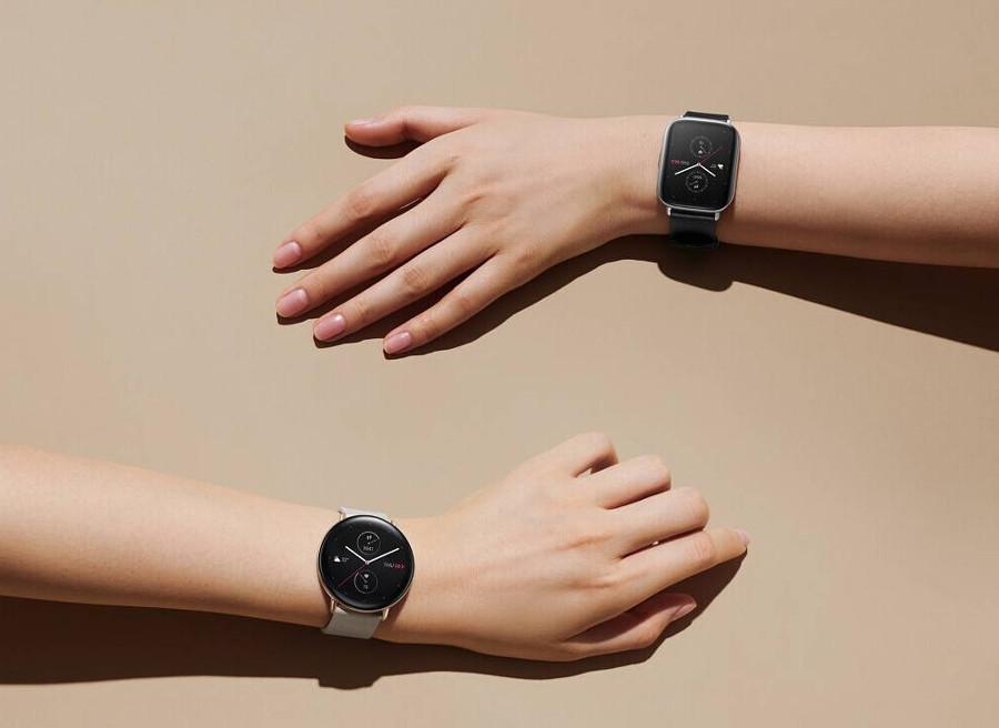 Ręce z zegarkami
