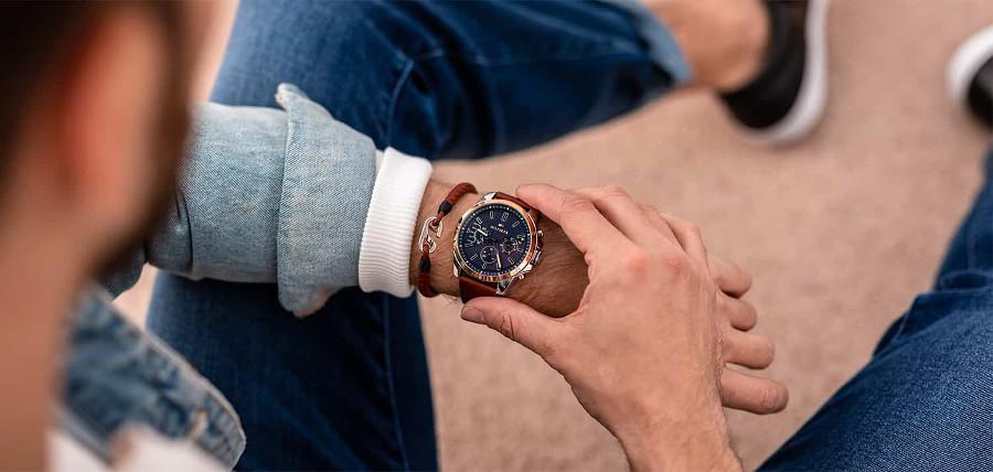 Zegarek Tommy Hilfiger na ręce