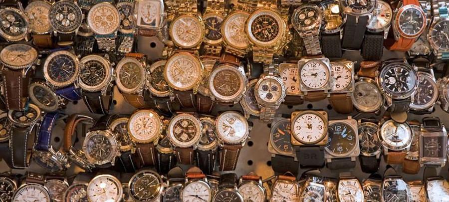 Duża liczba zegarków